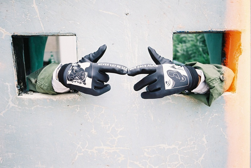 UNDERHANDED,アンダーハンデッド,スマホ手袋,手袋,クリスマス,ギフト